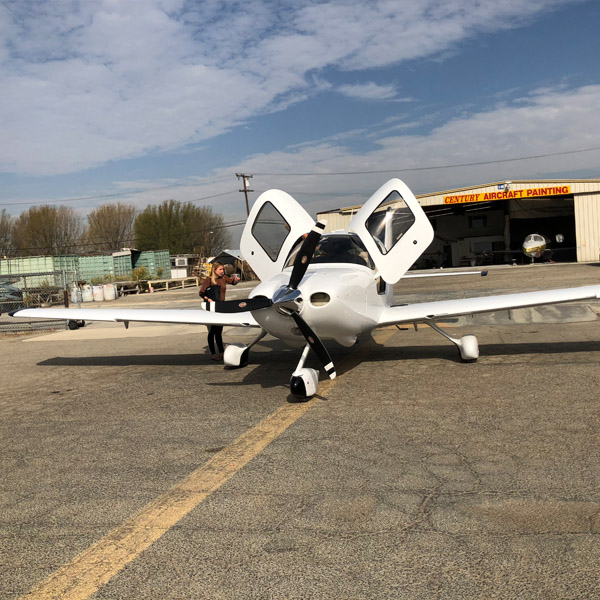 Cirrus SR20 Exterior Refurbishment
